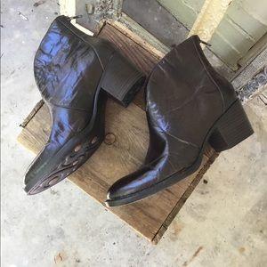Nwobt Born Leather boots sz 9